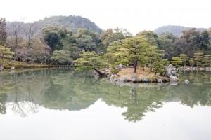 鏡湖池金閣寺