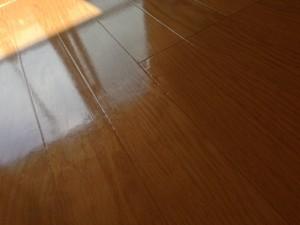 床 フローリング ピカピカ2